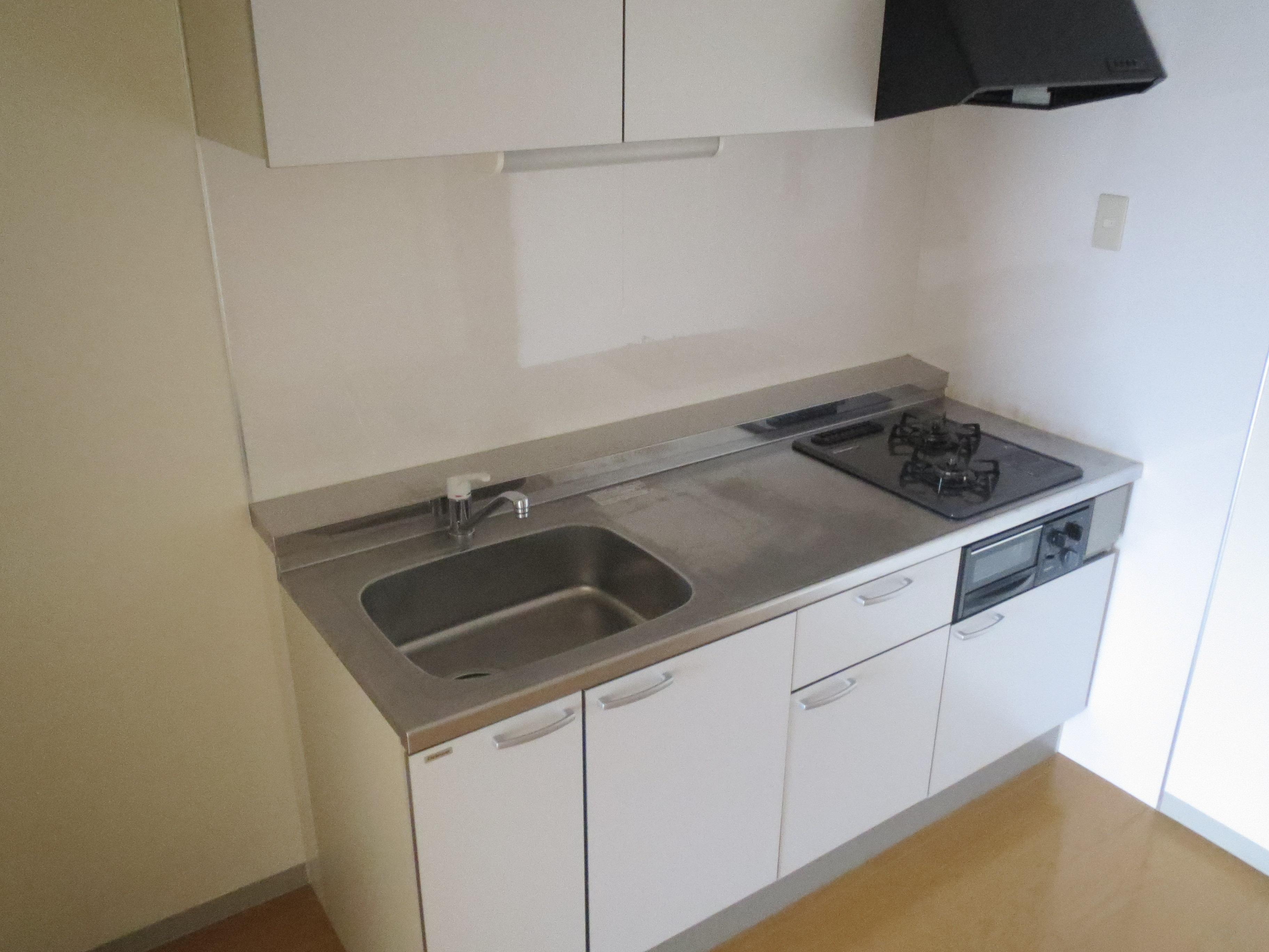 キッチン(ビルトインガスコンロです!)